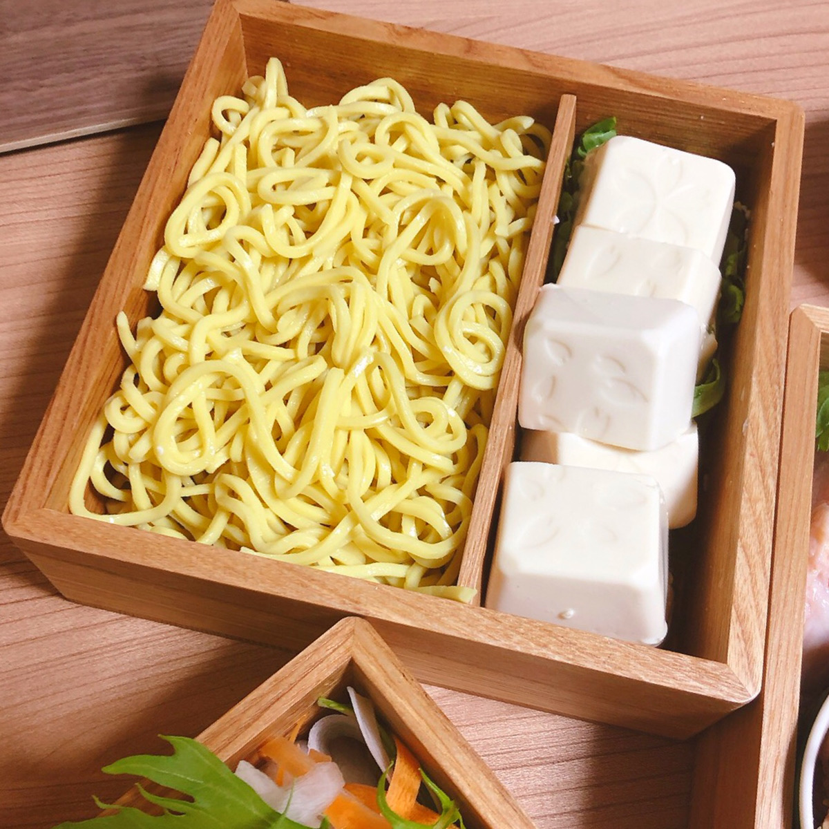 重箱 中華麺 豆腐